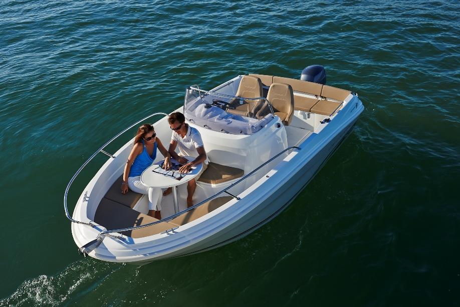 jeanneau cap camarat 6 rental easy boat booking cannes monaco nice antibes villefranche sur mer. Black Bedroom Furniture Sets. Home Design Ideas